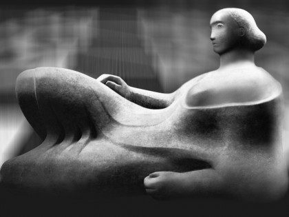 Paráfrasis Henry Moore